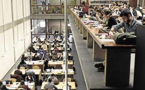 La universidad formará a 200.000 maestros más de los necesarios