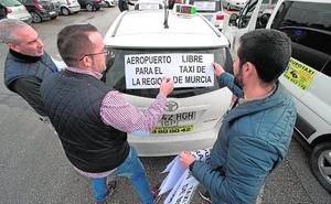 Taxistas de 22 municipios piden que se liberalice Corvera y crear áreas metropolitanas de trabajo