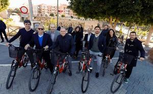 La junta directiva de la Red de Ciudades por la Bicicleta pasea por los carriles bici de Murcia