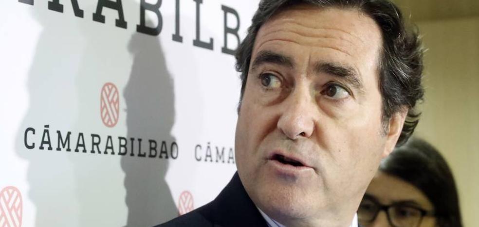 La CEOE acusa al Gobierno de «atentar» contra el diálogo social