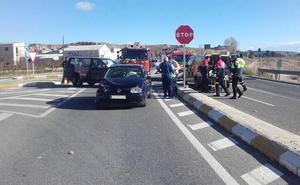 Cuatro heridos en un accidente de tráfico entre dos vehículos en Mula