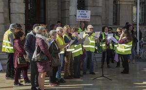 Los 'yayoflautas' mantienen las protestas por las pensiones