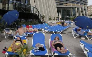 Almería duplica a la Región en plazas hoteleras, y Alicante casi la triplica