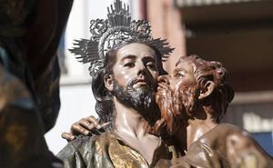 Jesús y Judas están tallados del mismo tronco en 'El Prendimiento' de Salzillo