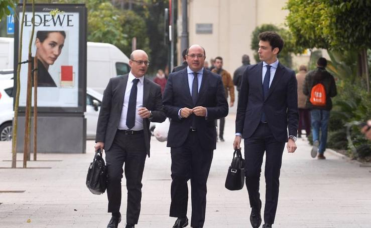 La Audiencia absuelve a Pedro Antonio Sánchez por haber expirado el plazo de investigación en el 'caso Pasarelas'