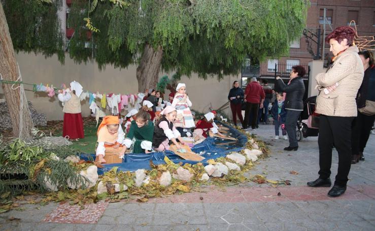 400 niños montan el Belén en Lorca