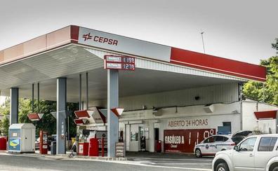 El precio del diésel frena su caída a las puertas de Navidad a pesar del hundimiento del crudo