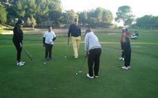 Grupo Huertas, un fiel apoyo para la escuela de golf de 'Los Pulseras Verdes'
