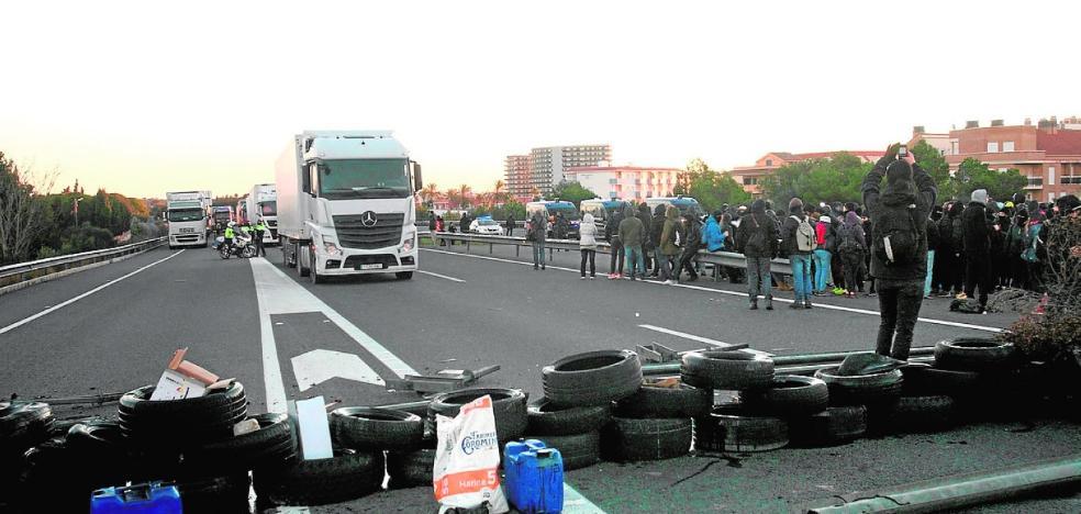 Las empresas del transporte pierden 2,5 millones por las protestas de Cataluña