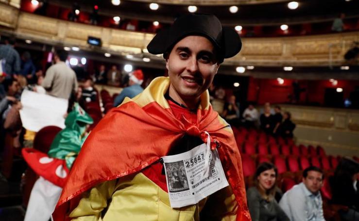 Gran ambiente en el Teatro Real para el Sorteo de Navidad