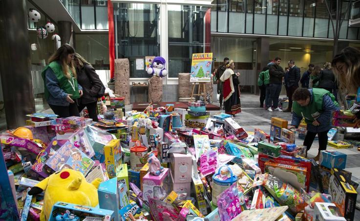 El Ayuntamiento de Cartagena recoge más de tres mil juguetes para donarlos
