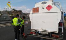 Un conductor de mercancías peligrosas da positivo en cocaína tras causar un accidente en Águilas