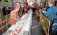 Una lluvia de confeti y más de 1.200 cohetes para recibir a los Reyes Magos en Lorca