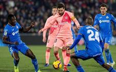 Messi y Suárez dan el triunfo al Barça