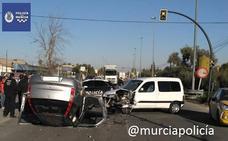 Tres heridos al colisionar dos vehículos en Sangonera La Seca