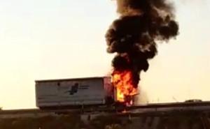 Se incendia la cabina de un camión grúa en la A-30