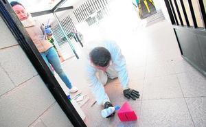 Un equipo de forenses reconstruye el doble asesinato de Las Torres de Cotillas