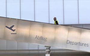 El Cermi elaborará un informe sobre la accesibilidad del aeropuerto de Corvera