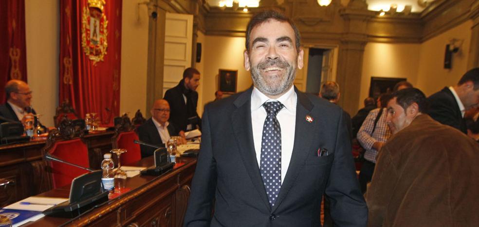 PSOE, PP y Podemos insisten en que López devuelva el sueldo cobrado como alcalde