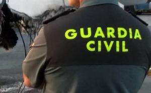 Suspenden a un guardia civil que intercedió por su primo traficante
