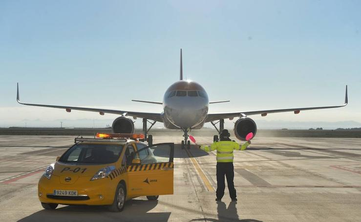 Aterrizaje histórico en el aeropuerto de Corvera
