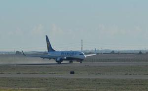 Directo: aterrizaje histórico en el aeropuerto de Corvera
