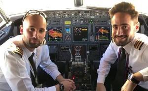 Los pilotos del primer vuelo: «Ha sido un trayecto emotivo»