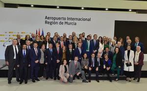 Víctor Martínez: «Con la apertura del aeropuerto, la Región es más competitiva y atractiva»