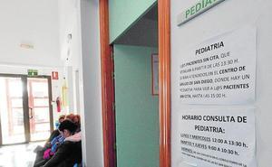 Vecinos de La Hoya reclaman un pediatra a tiempo completo en el centro de salud