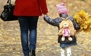 Nueva ayuda de 1.000€ a madres trabajadoras: Requisitos y condiciones
