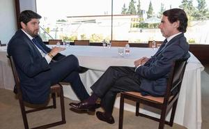 Miras y Aznar se reúnen en Murcia con motivode un acto empresarial