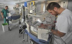 El Santa Lucía, primer hospital de la Región en recibir un certificado de calidad por su UCI