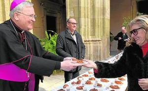 El obispo ensalza «a los voluntarios que ayudan a los más pobres y necesitados»