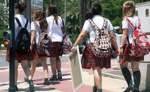 Hasta 1.728 murcianos no pueden trabajar con niños por sus antecedentes sexuales