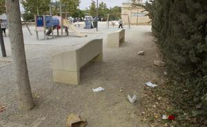 Torralba informa a los vecinos de Barrio Peral del inicio de la reforma de la Vía Verde