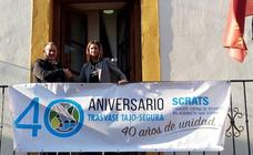 El Ayuntamiento de Archena cuelga la pancarta del 40 aniversario del Trasvase Tajo-Segura