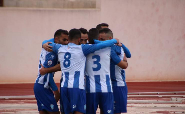 El FC Jumilla remonta el partido contra el Linense