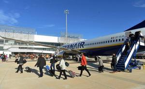 El aeropuerto de Corvera registra en su primera semana la misma actividad que el de San Javier