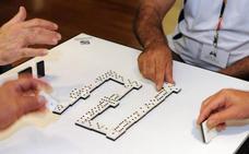 Dos abuelos terminan a navajazos una partida de dominó