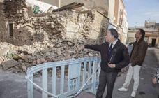 Los vecinos alertan del aumento de edificios en ruina en San Antón
