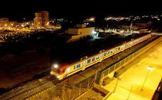 El corte de la línea férrea con Murcia y Águilas afectará a 3.000 viajeros diarios