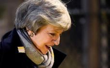 Theresa May sondea el sentir de Belfast