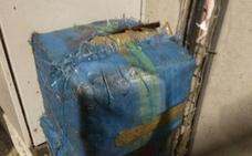 Detectan dos fardos de 30 kilos de hachís en un centro de residuos de Lorca