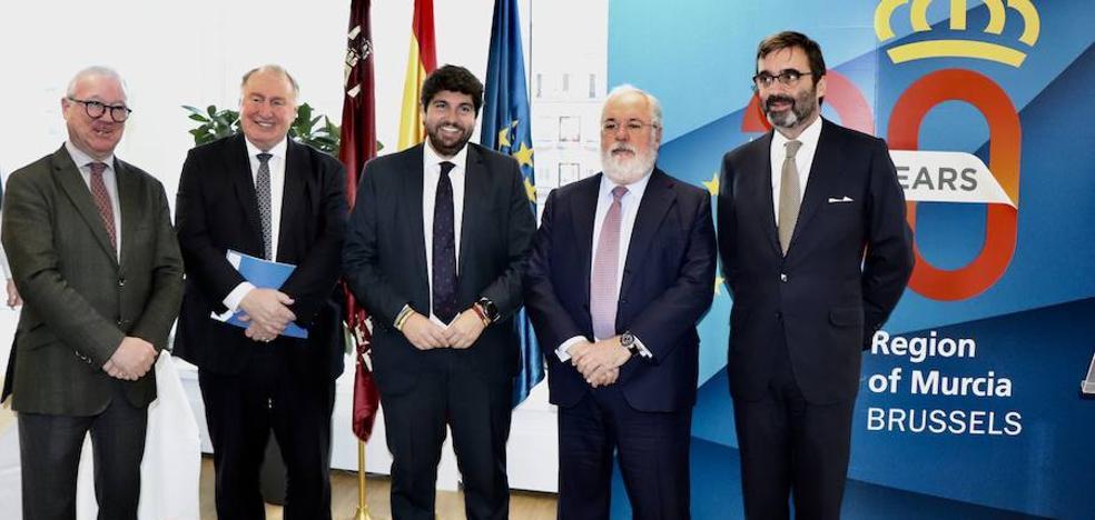 López Miras: «Siento vergüenza ante la rendición del PSOE a los separatistas»