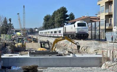 El Tribunal de Cuentas denuncia los sobrecostes de las estaciones del AVE en Murcia y Cartagena