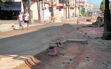 Los comerciantes de San Pedro acusan una caída de ventas por las obras del centro urbano