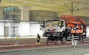 Orihuela 'ofrece' su AVE a la Región y estima que hay demanda para 14 trenes diarios