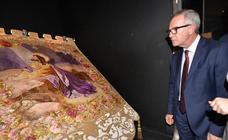 El ministro elogia los bordados de la Semana Santa de Lorca y anuncia ayudas