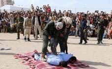 Una bala en la espalda por violar y asesinar a un niño: dos pedófilos, ejecutados públicamente en Yemen