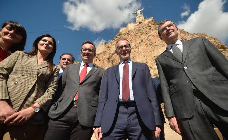 El ministro Guirao hace un llamamiento a las empresas de la Región para restaurar Monteagudo